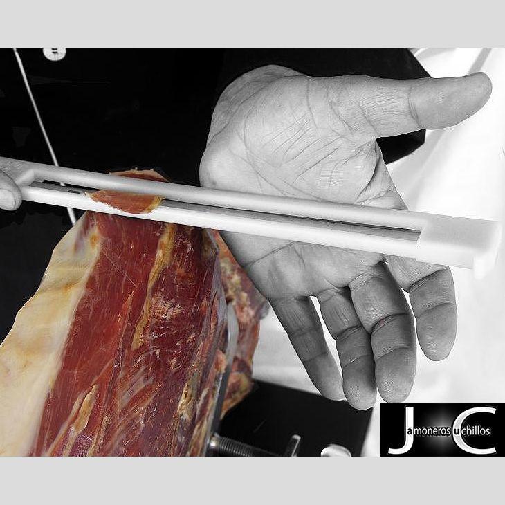 Cuchillo jamonero anti-accidentes de Virutas de Jamón