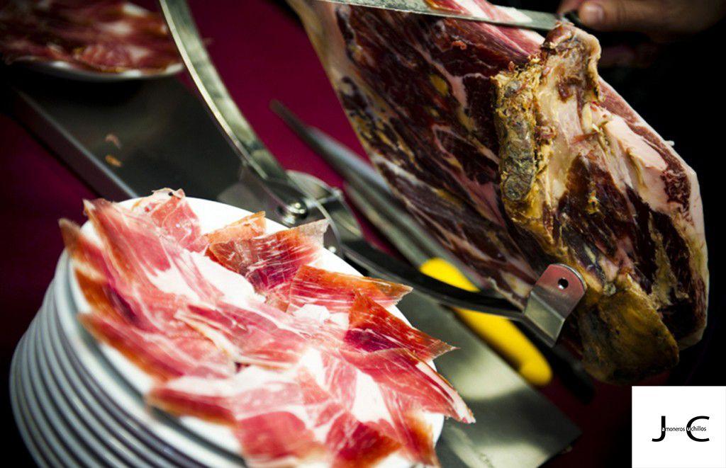 cortar jamon iberico cebo bellota denominacion origen extremadura guijuelo jabugo jamoneros y cuchillos