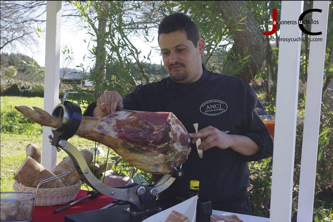 Raúl Freire cortador jamon Galicia